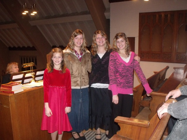 Isabella, Silvana, Marisa and Magdalene in the choir loft at St. Leo.