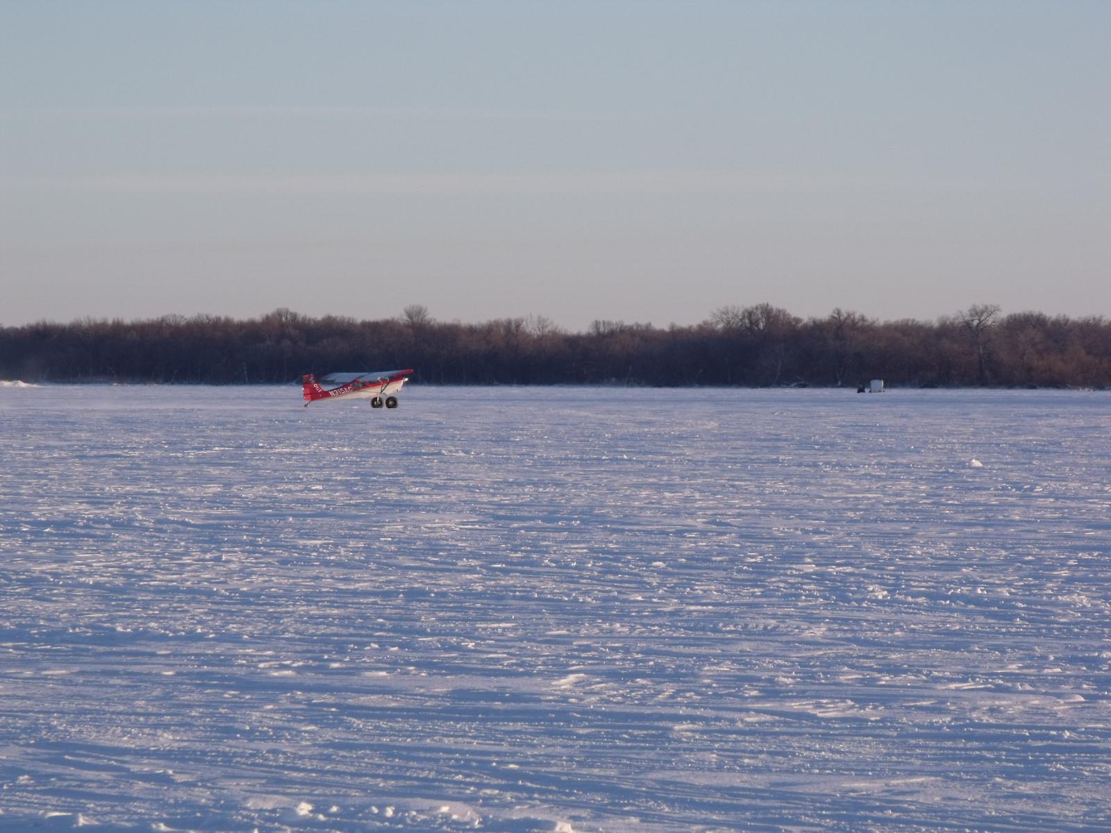 Ice fishing a minnesota tradition callens honey farm for Fishing in minnesota