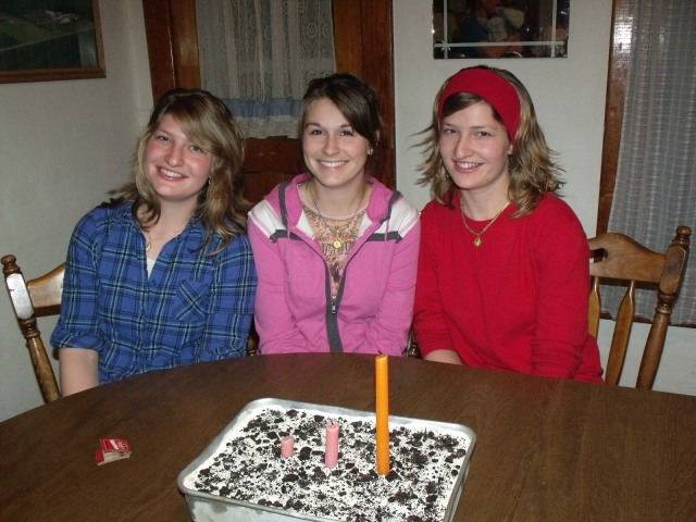 Marisa, Jessica and Silvana share the same birthday!