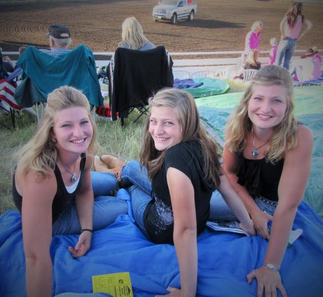 Silvana, Bella and Marisa, Organic Hog farmers!